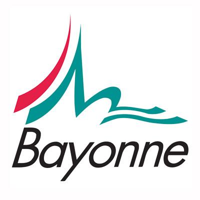 Le groupement des artisans d 39 art des pyr n es atlantiques for Piscine bayonne